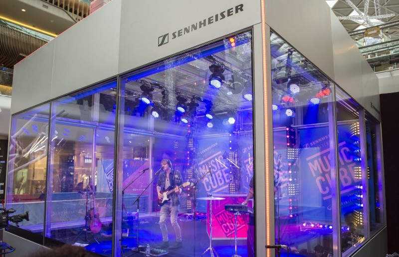 LIVE in Music Cube!